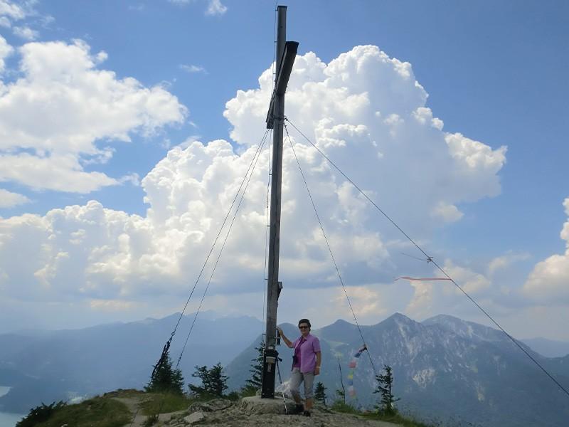 Wanderung zum Gipfelkreuz Karwendel Ferlhof in Krün