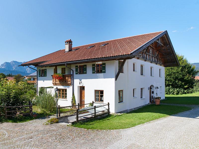 Der Ferlhof mit dem Haupthaus Ferlbauer